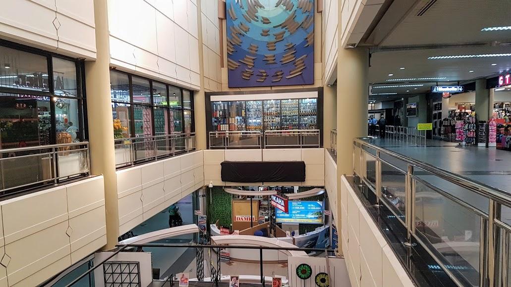 Memasuki Ruang Tunggu Bandara Internasional Hang Nadim Batam